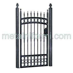 Ковано желязо дворни врати.