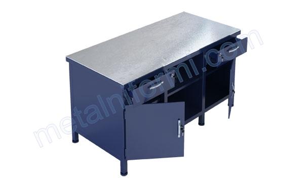 Работна маса от метал, модел 1500-8В.